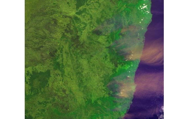 地球が見える 宇宙から見たオーストラリアの大規模森林火災