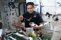大西宇宙飛行士ISS長期滞在活動報告(Vol.20) 宇宙日本食を紹介