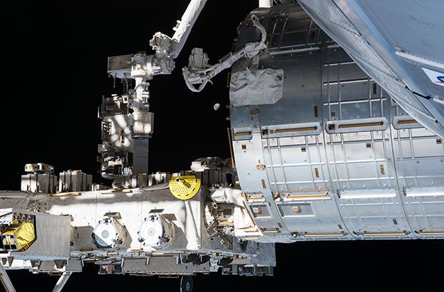 「きぼう」からの超小型衛星放出ライブ中継