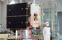 小惑星探査機「はやぶさ2」の機体を初公開