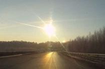 ロシアに隕石(いんせき)が落下し、多数の負傷者が発生