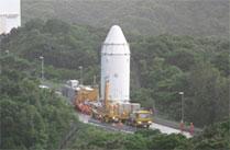 こうのとり」4号機は大型ロケット組立棟へ移動し、H-IIBロケットと結合