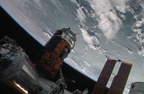 「こうのとり」4号機、国際宇宙ステーションに結合完了!