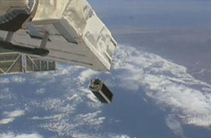 「こうのとり」6号機(HTV6)が「きぼう」に運んだ超小型衛星6基の放出に成功