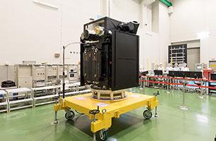 ERG衛星、相模原キャンパスで機体公開