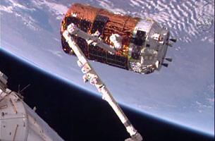 「こうのとり」6号機、国際宇宙ステーションに結合完了!