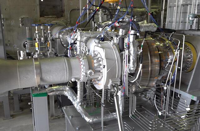 液体酸素ターボポンプの翼振動試験